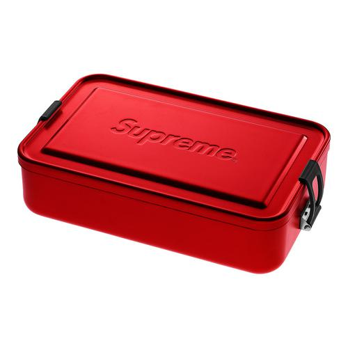 "Supreme®/SIGG™ Large Metal Box Plus - 900 mL aluminum container with polypropylene closure and debossed logo on lid. 6.7"" X 4.6"" X 2.3"""