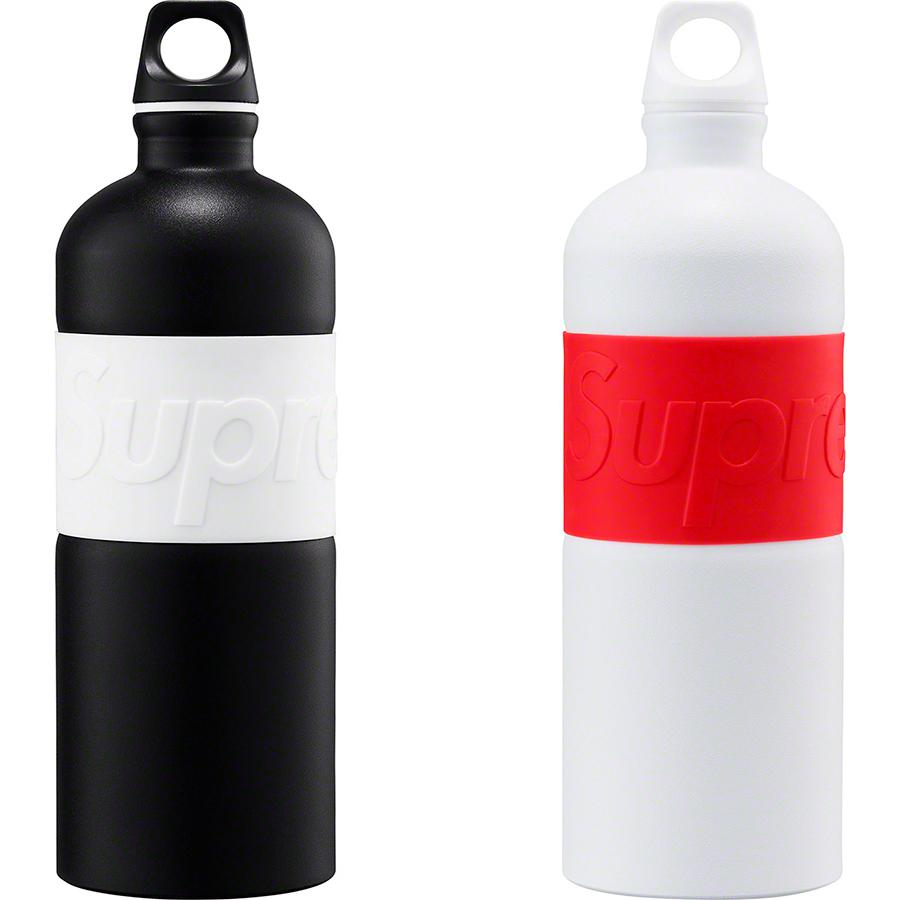 Supreme®/SIGG™ CYD 1.0L Water Bottle - 1.0L BPA free aluminum water bottle. Silicone grip with embossed logo.