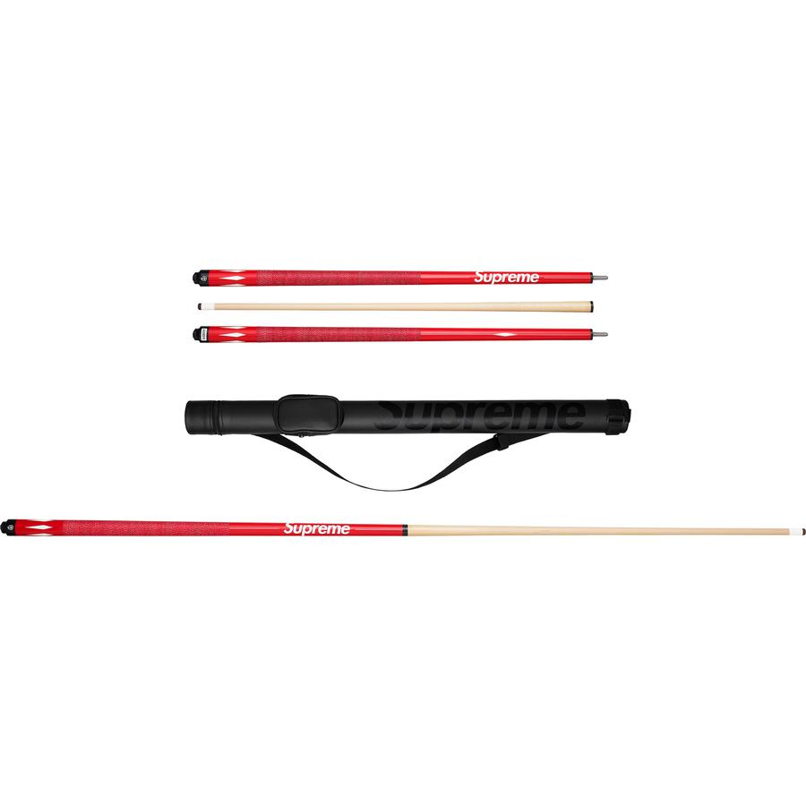 "Supreme®/McDermott™ Pool Cue - Maple forearm and shaft with linen wrap and logo. Cue case with printed logo included. 58.88"". Made exclusively for Supreme."