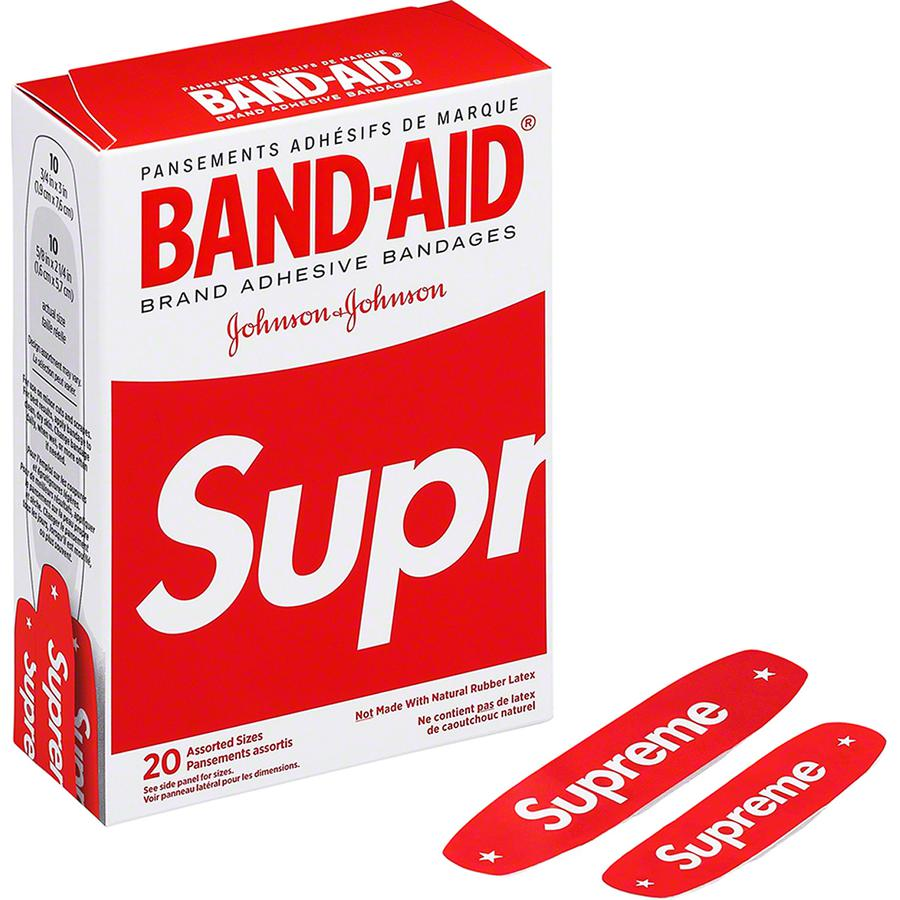 *US ONLY* Supreme®/BAND-AID® - Box of 20 adhesive bandages. Not sold in Japan.